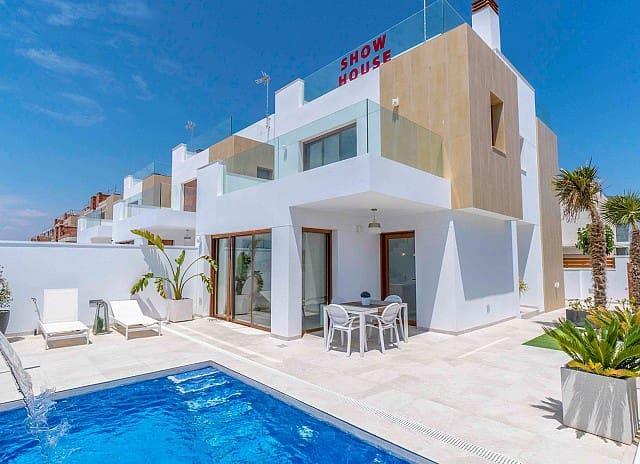 Chalet de 3 habitaciones en Pilar de la Horadada en venta con piscina - 410.000 € (Ref: 4704150)