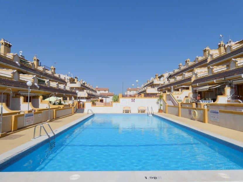 Apartamento de 2 habitaciones en Playa Flamenca en venta con piscina - 86.500 € (Ref: 4710661)