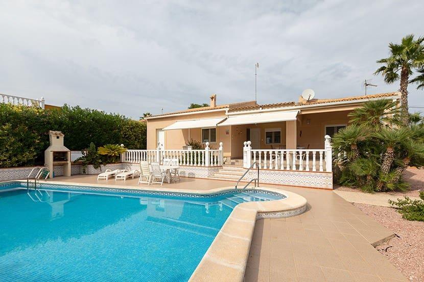 Chalet de 3 habitaciones en Playa Flamenca en venta con piscina - 379.000 € (Ref: 4721557)