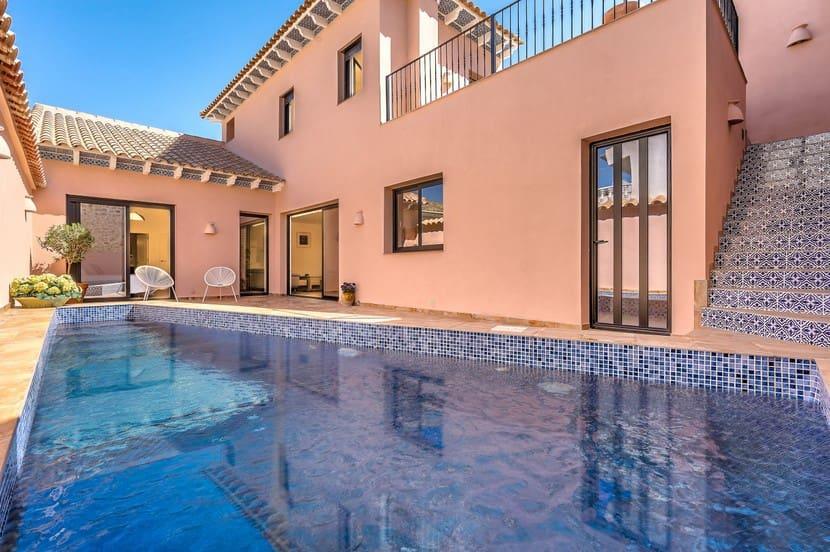 Chalet de 4 habitaciones en Benijófar en venta - 349.000 € (Ref: 4841353)