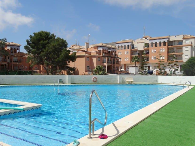 Apartamento de 2 habitaciones en Playa Flamenca en venta con piscina - 94.995 € (Ref: 4841354)