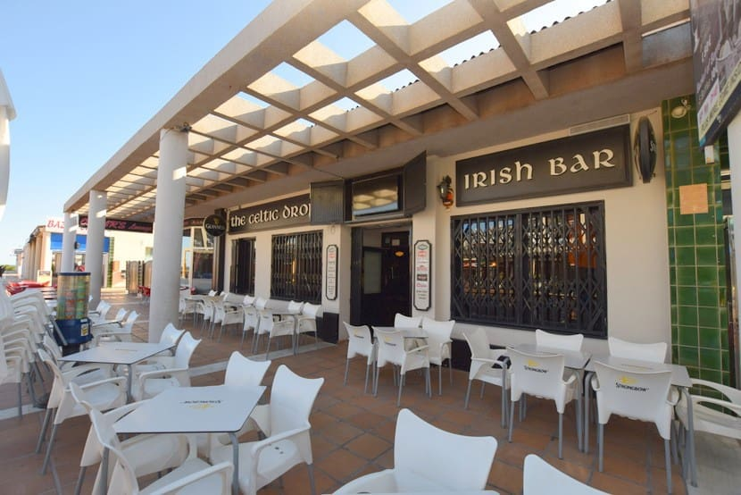 Local Comercial en Playa Flamenca en venta - 499.000 € (Ref: 4911848)
