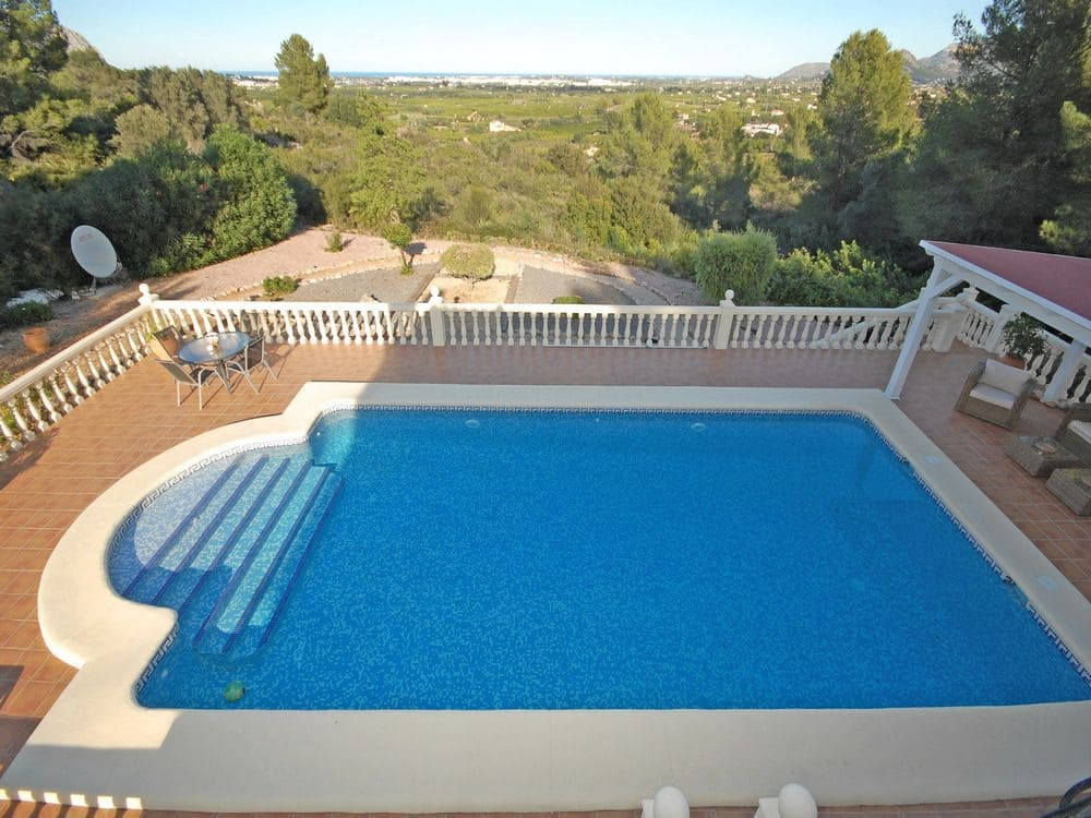 Chalet de 4 habitaciones en Beniarbeig en venta con piscina - 350.000 € (Ref: 4949485)
