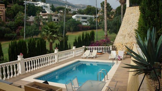 4 soveværelse Villa til salg i Altea la Vella med swimmingpool - € 295.000 (Ref: 6118623)