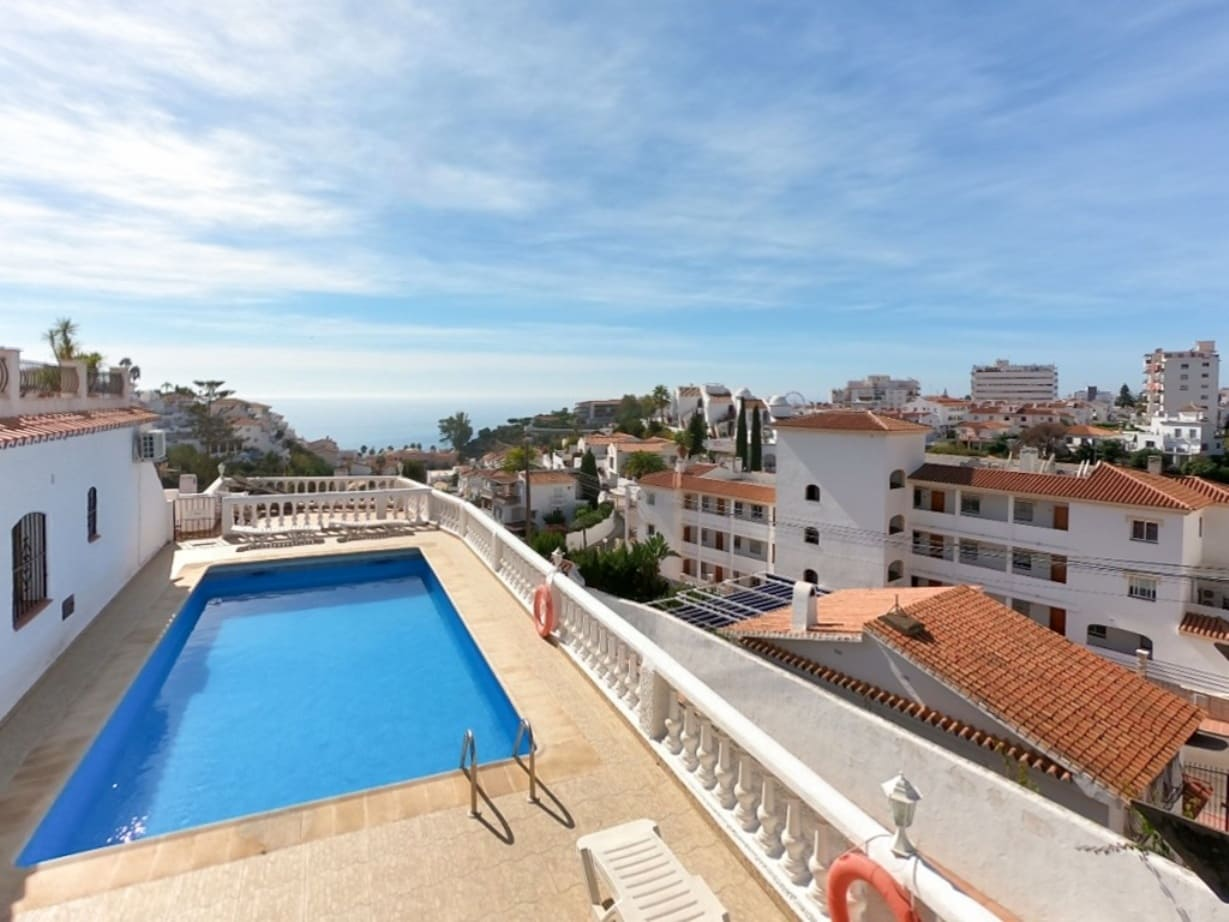 3 bedroom Beach Apartment for sale in Nerja with pool - € 360,000 (Ref: 3573660)