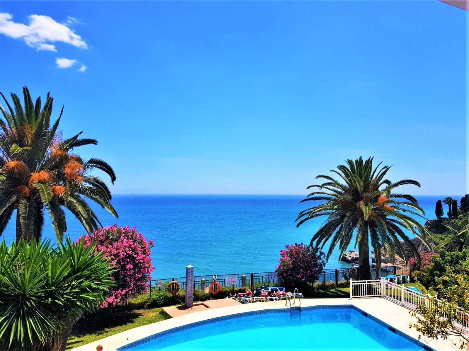 3 bedroom Beach Apartment for sale in Nerja with pool - € 530,000 (Ref: 4277567)