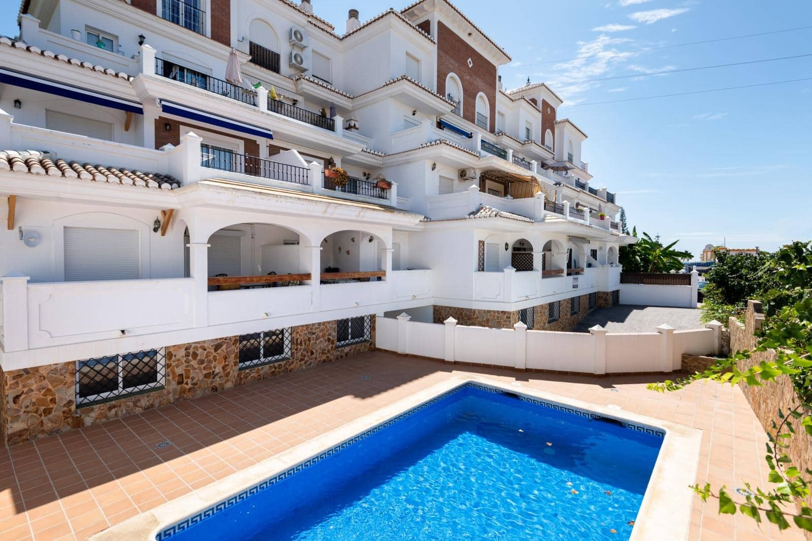 2 bedroom Apartment for sale in Nerja with pool - € 199,950 (Ref: 4757101)