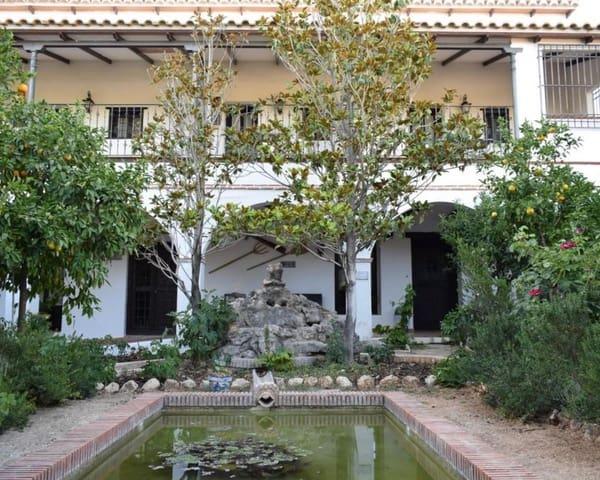 20 chambre Commercial à vendre à Illora avec piscine - 1 800 000 € (Ref: 5455678)
