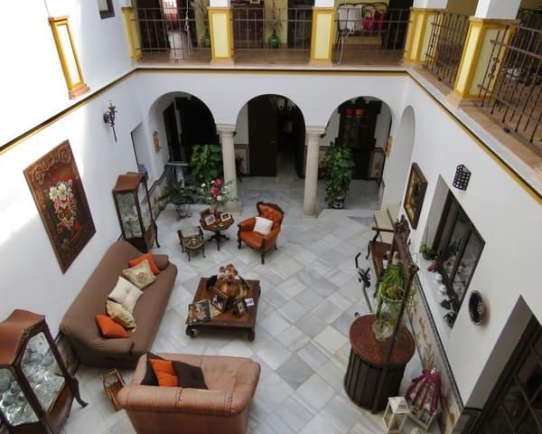 5 bedroom Townhouse for sale in Osuna - € 435,000 (Ref: 5455700)