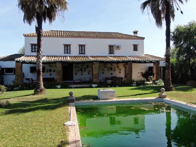 6 bedroom Commercial for sale in Dos Hermanas - € 1,300,000 (Ref: 5745196)