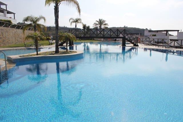 3 soverom Penthouse til salgs i Marbella med svømmebasseng garasje - € 1 320 (Ref: 3508360)