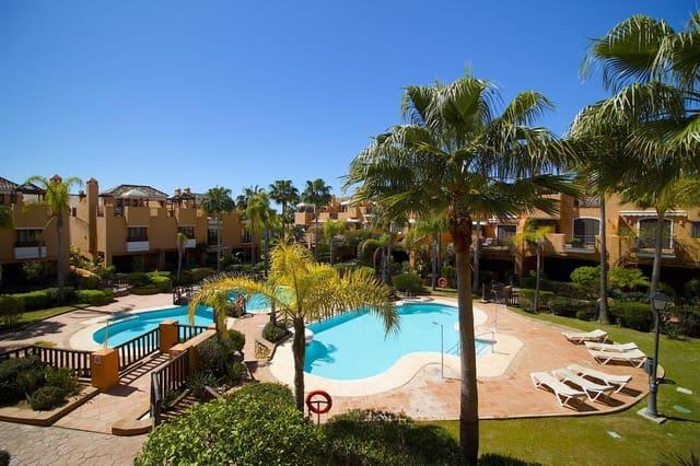 Casa de 2 habitaciones en Bahía de Marbella en venta con piscina - 525.000 € (Ref: 3536706)