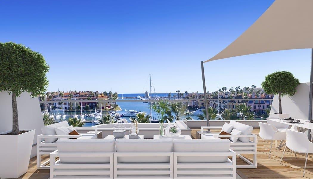 Apartamento de 2 habitaciones en Sotogrande en venta con piscina garaje - 423.000 € (Ref: 4087859)