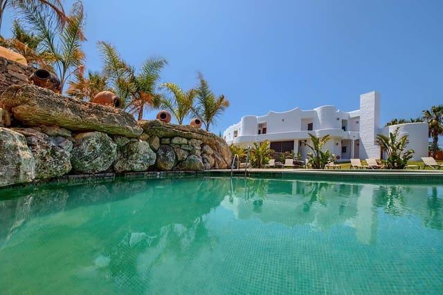 21 chambre Commercial à vendre à Los Canos de Meca avec piscine - 15 000 000 € (Ref: 4685034)