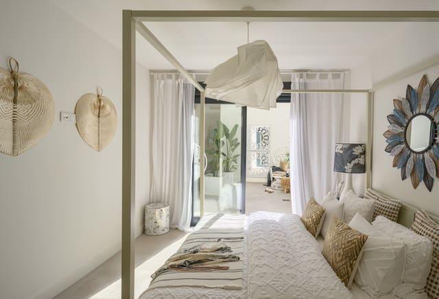 2 quarto Penthouse para venda em Nerja com piscina - 325 000 € (Ref: 6031162)