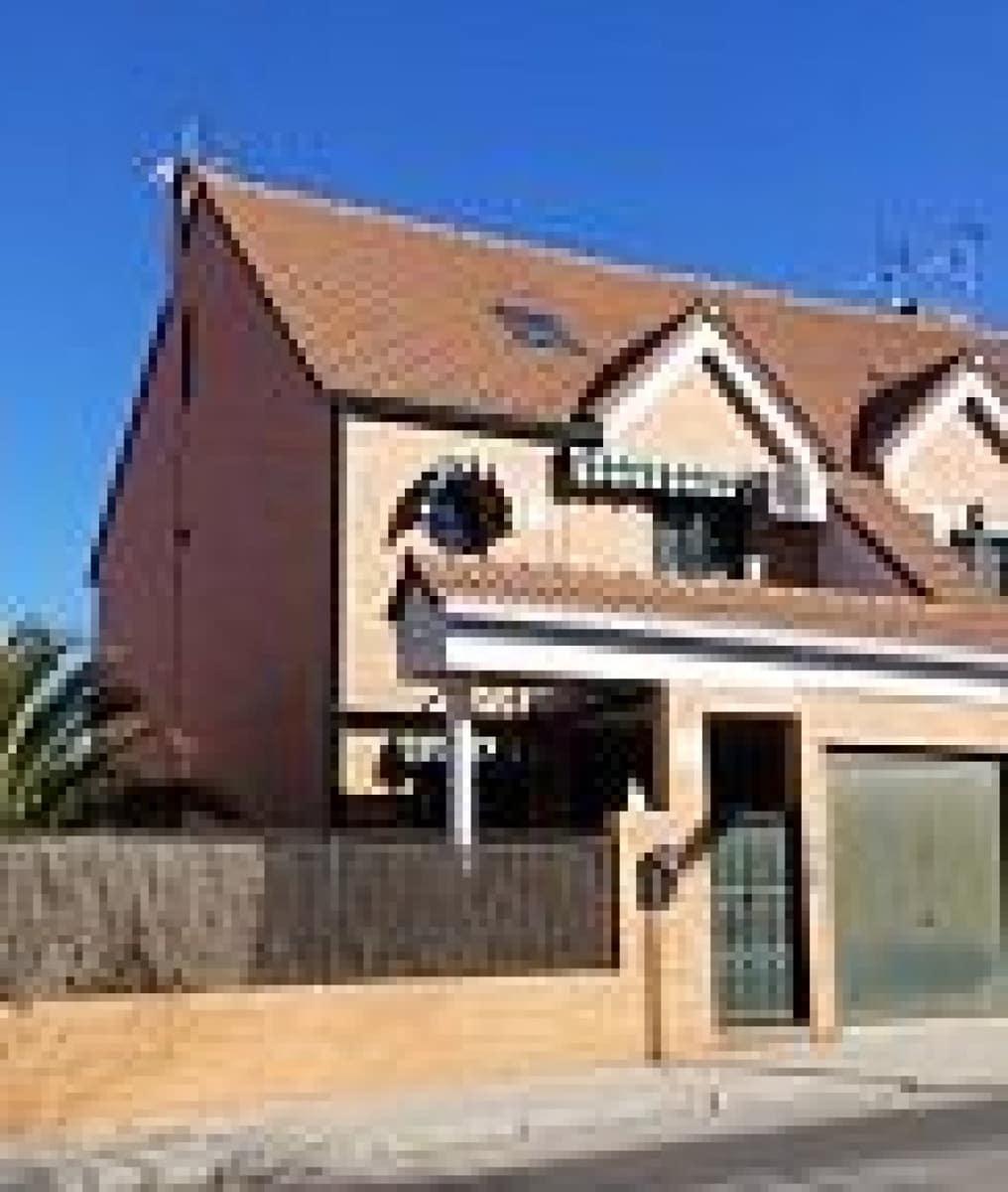 4 sovrum Radhus till salu i Mostoles med pool garage - 330 600 € (Ref: 5260242)