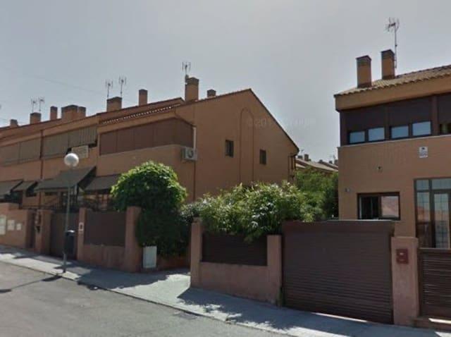 5 chambre Villa/Maison Mitoyenne à vendre à Mostoles avec piscine garage - 274 000 € (Ref: 5592457)