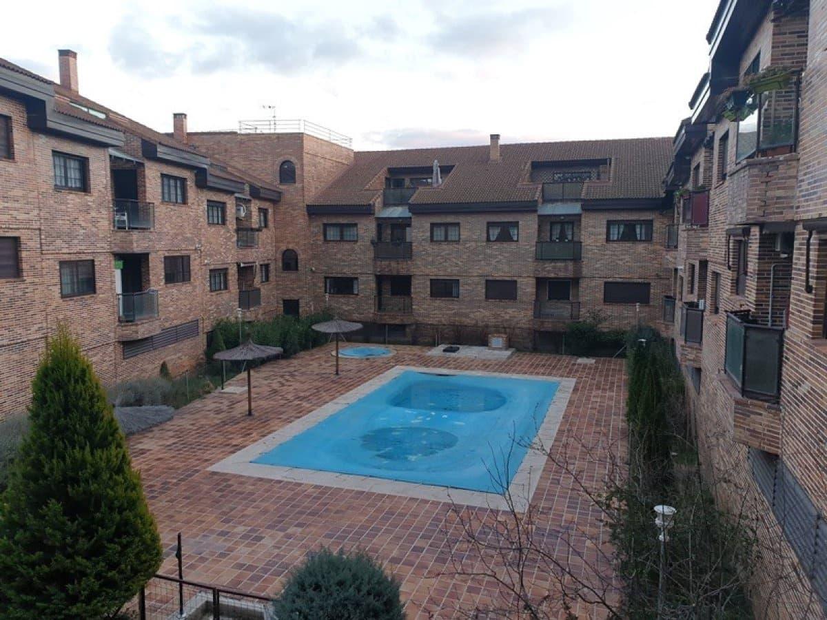 2 sovrum Lägenhet till salu i El Escorial med pool - 155 000 € (Ref: 5671504)