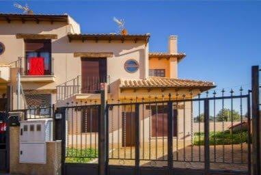 4 chambre Villa/Maison Semi-Mitoyenne à vendre à Belmonte de Tajo - 178 000 € (Ref: 6166773)
