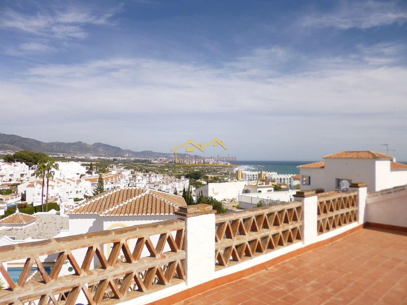 4 bedroom Townhouse for sale in Nerja with pool - € 690,000 (Ref: 4452372)