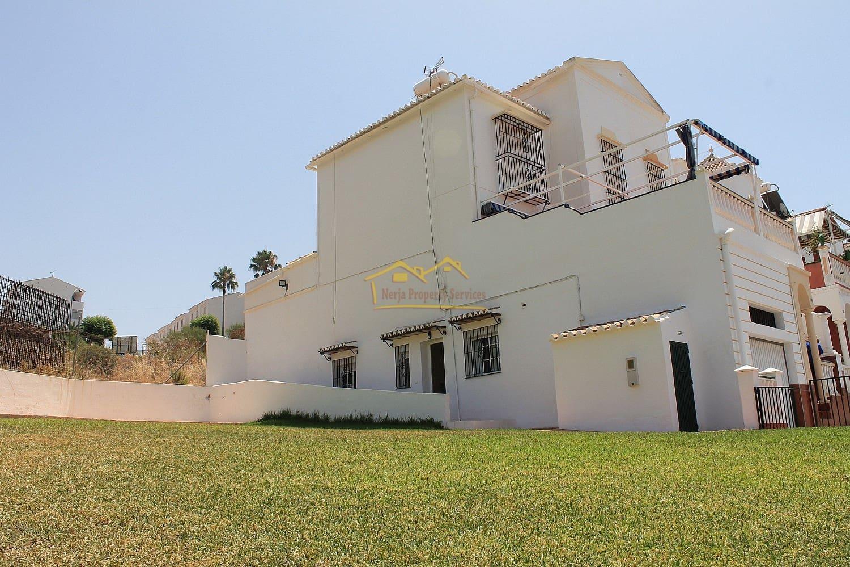 5 bedroom Terraced Villa for sale in Nerja - € 340,000 (Ref: 4452403)