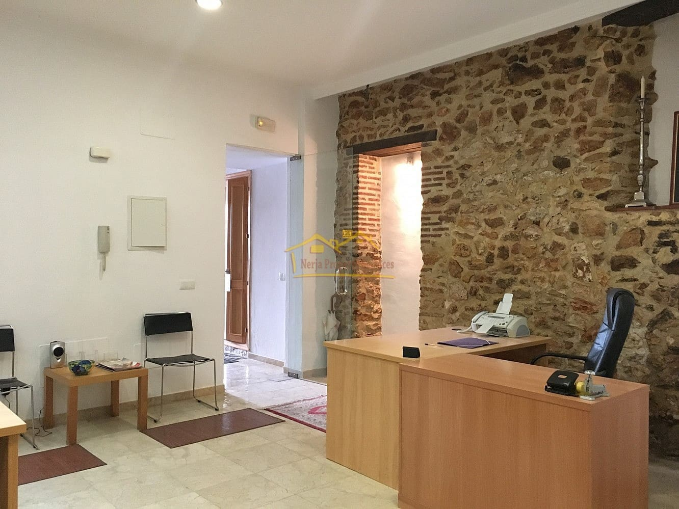 Office for rent in Nerja - € 500 (Ref: 4452532)