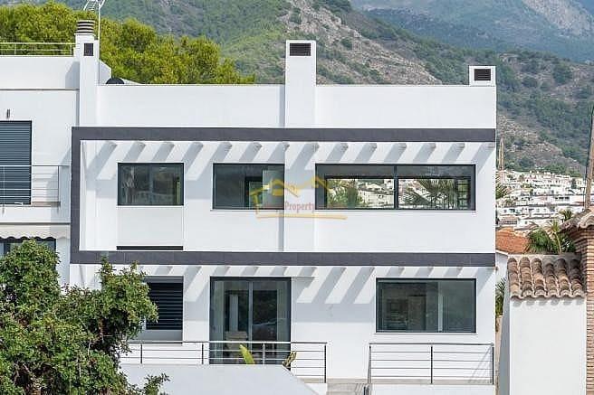 2 bedroom Villa for sale in Nerja with pool - € 495,000 (Ref: 4479771)