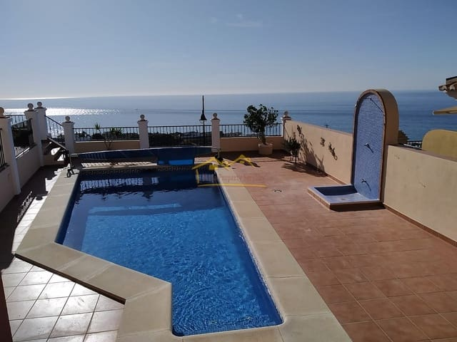 Chalet de 3 habitaciones en El Peñoncillo en venta con piscina - 495.000 € (Ref: 5073021)