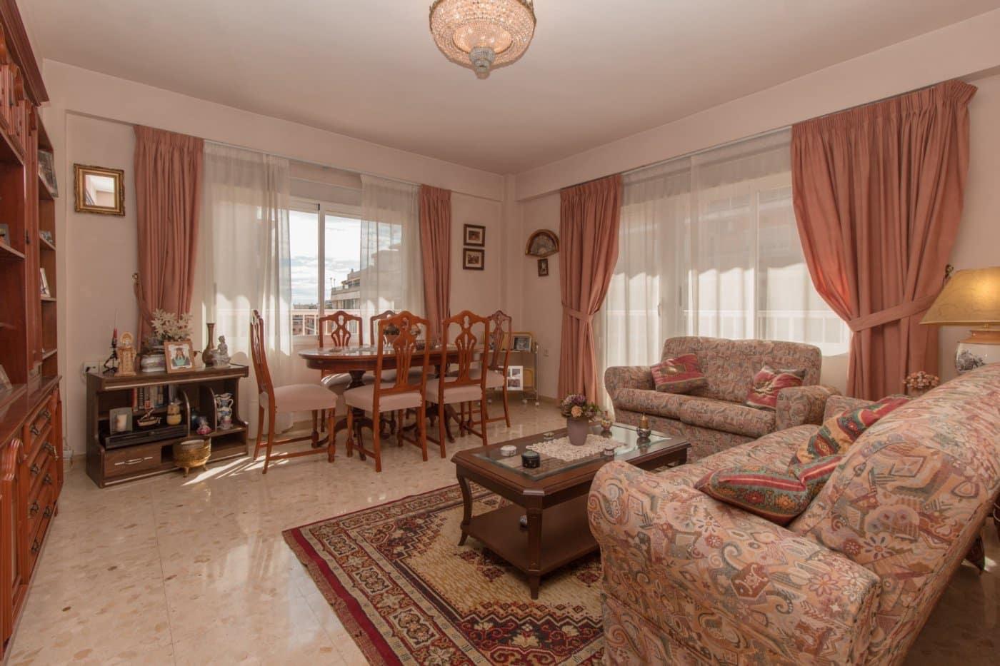 Apartamento de 4 habitaciones en Orihuela en venta - 112.000 € (Ref: 4985408)