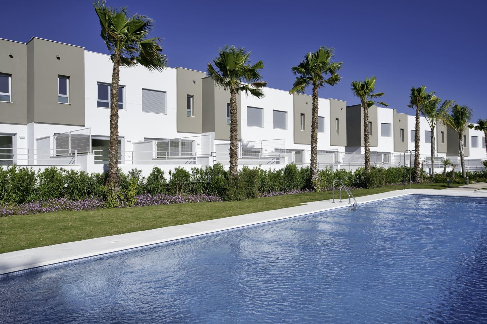 3 quarto Casa em Banda para venda em Estepona com piscina garagem - 299 000 € (Ref: 4686557)