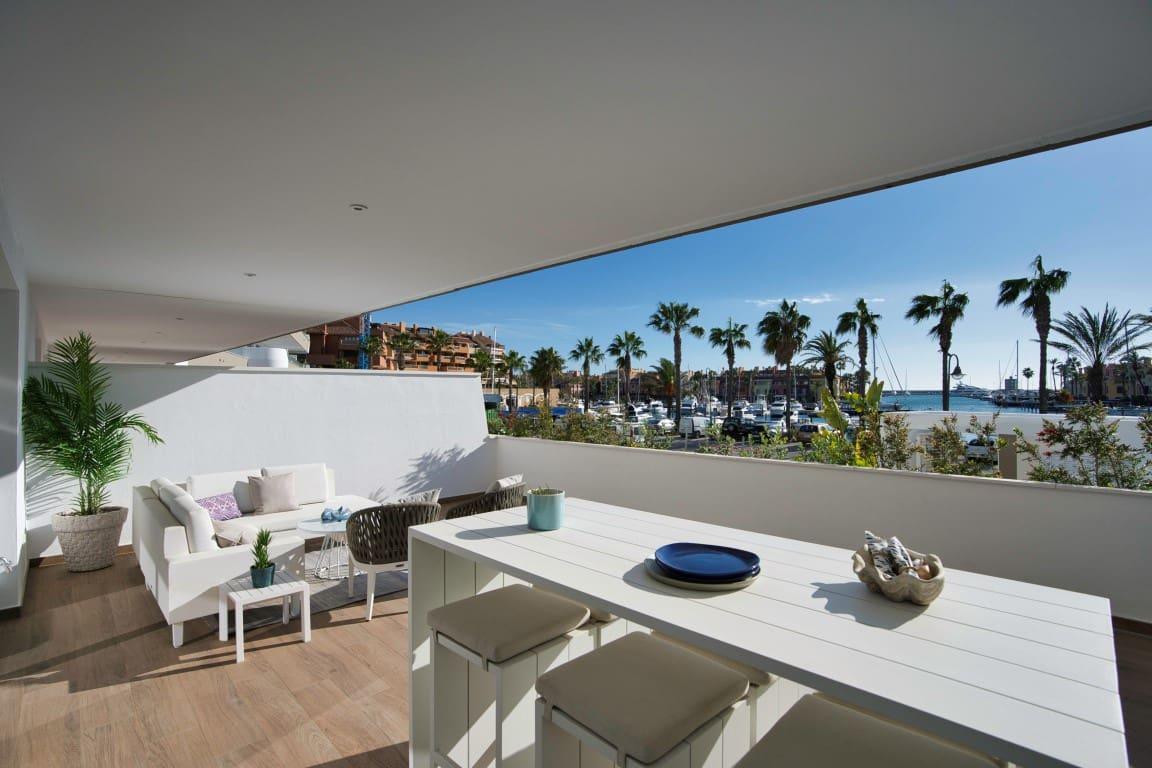 3 quarto Apartamento para venda em San Roque com piscina - 410 000 € (Ref: 4919737)