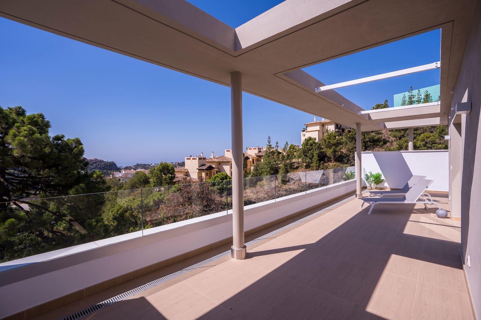 3 quarto Penthouse para venda em Benahavis com piscina garagem - 720 000 € (Ref: 4971468)