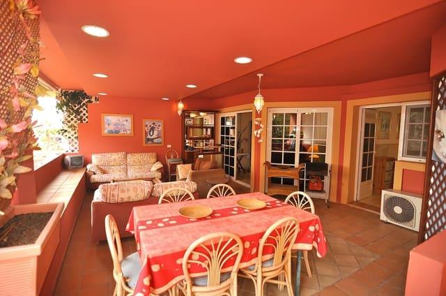 3 soveværelse Lejlighed til salg i Playa del Duque med swimmingpool - € 470.000 (Ref: 6075466)