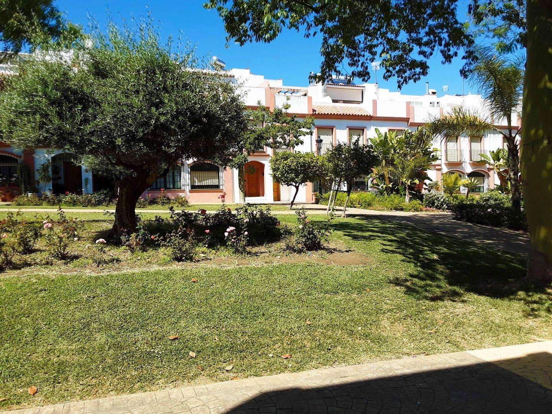 4 soveværelse Rækkehus til leje i Estepona med garage - € 1.100 (Ref: 5363306)