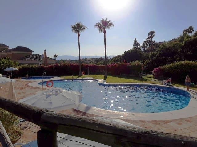 Adosado de 3 habitaciones en Las Chapas en venta con piscina garaje - 580.000 € (Ref: 5406287)
