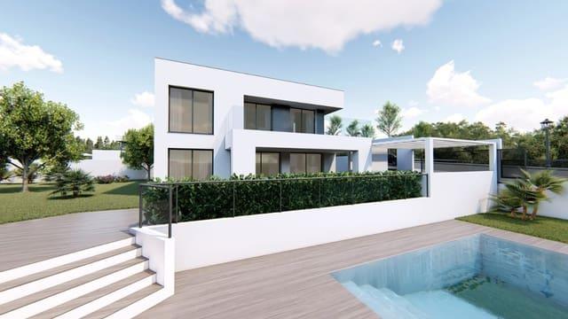 Pareado de 4 habitaciones en Manilva en venta con piscina garaje - 460.000 € (Ref: 4212558)