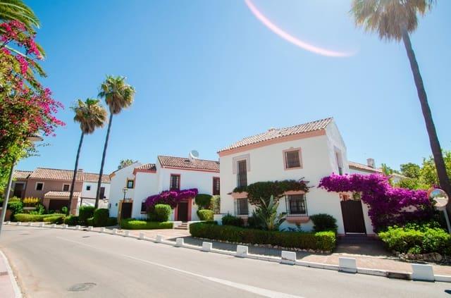 Casa de 3 habitaciones en Guadalmina en alquiler vacacional con piscina garaje - 1.500 € (Ref: 5781521)
