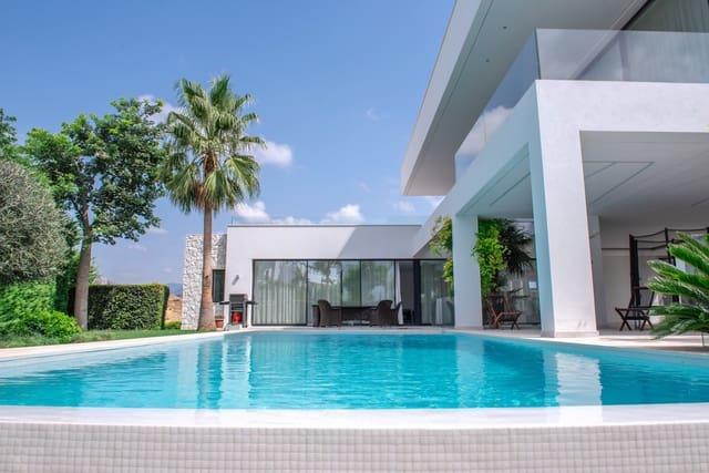 5 bedroom Villa for holiday rental in Benahavis with pool garage - € 12,000 (Ref: 5781568)