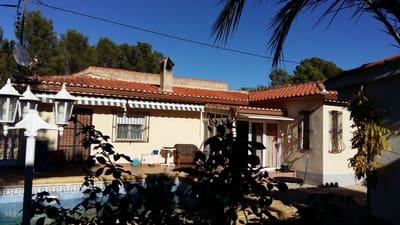 4 bedroom Villa for sale in Marchuquera with pool - € 250,000 (Ref: 3432646)