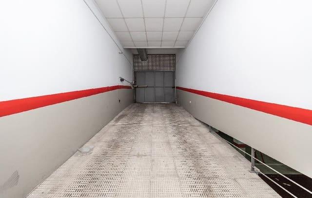 Garage à vendre à Oliva - 6 100 € (Ref: 5310395)