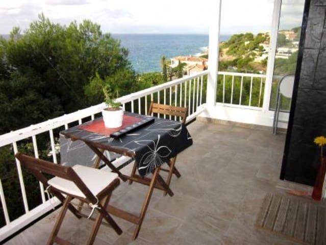 Studio till salu i Salou med pool - 109 500 € (Ref: 2084493)