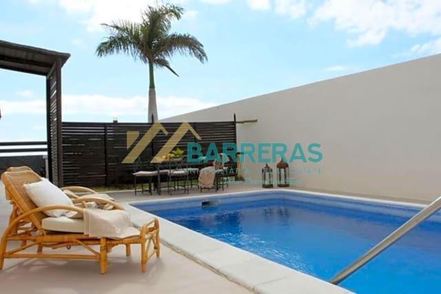 4 soverom Villa til salgs i El Medano med svømmebasseng - € 440 000 (Ref: 5811767)