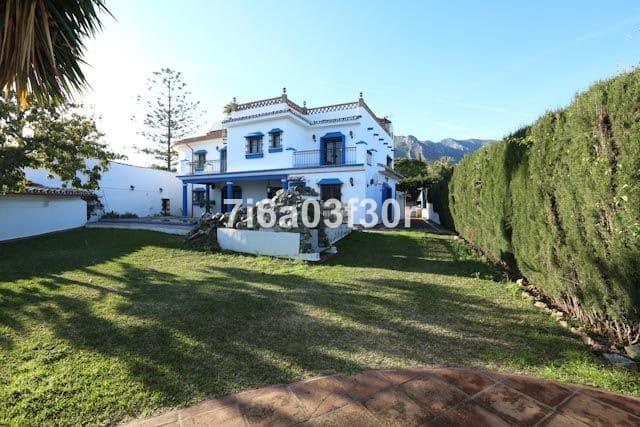 7 bedroom Villa for sale in Marbella with pool garage - € 1,050,000 (Ref: 5167845)