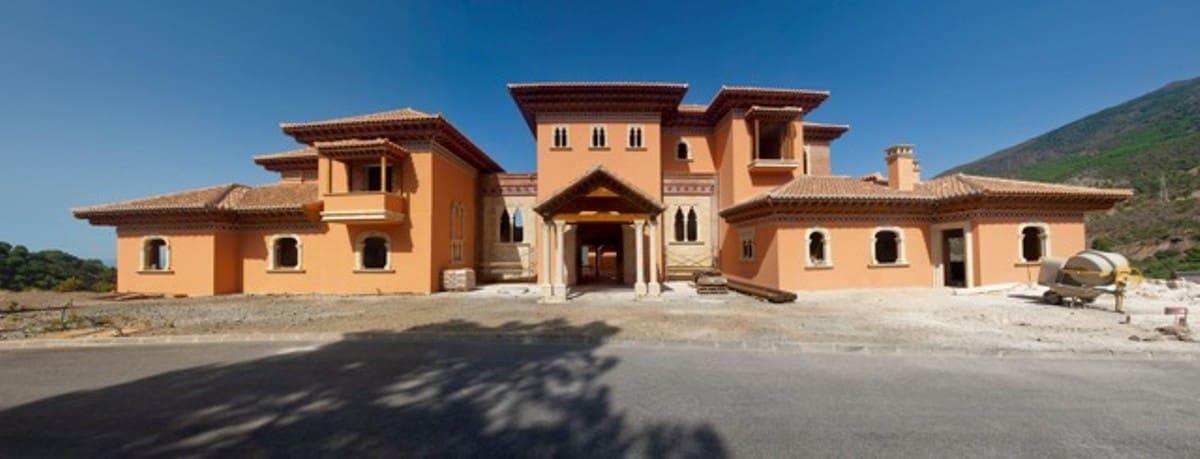 7 bedroom Villa for sale in Marbella with pool - € 9,500,000 (Ref: 5167861)