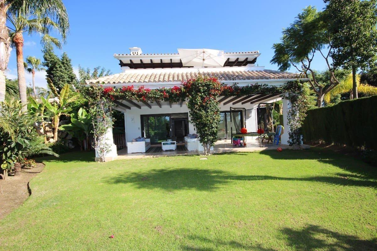5 bedroom Villa for sale in Marbella with pool garage - € 1,899,000 (Ref: 5167928)