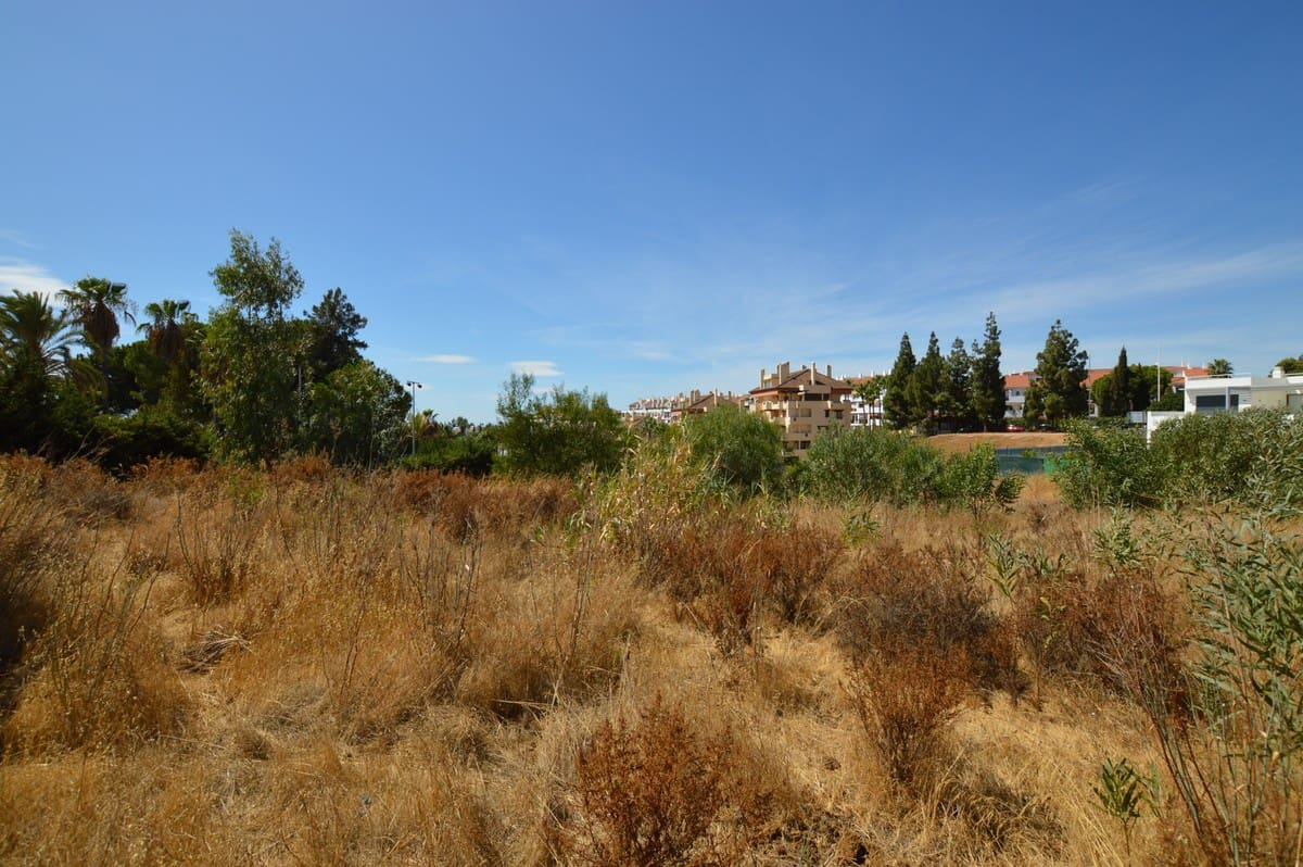 Undeveloped Land for sale in Marbella - € 950,000 (Ref: 5168626)