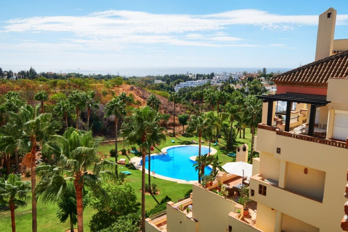 5 bedroom Penthouse for sale in Marbella - € 1,295,000 (Ref: 5168671)