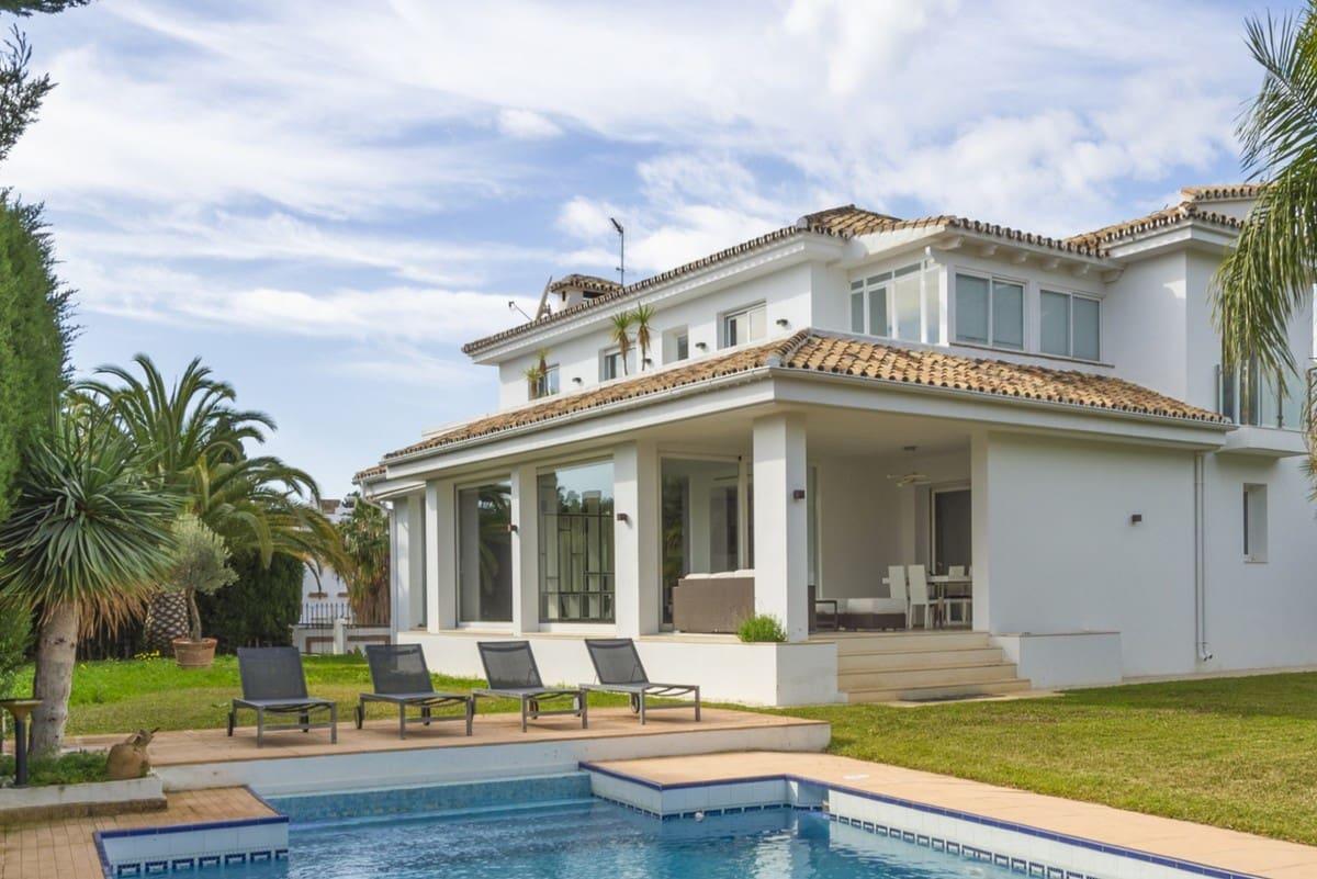 5 bedroom Villa for sale in Marbella with pool garage - € 1,195,000 (Ref: 5168765)
