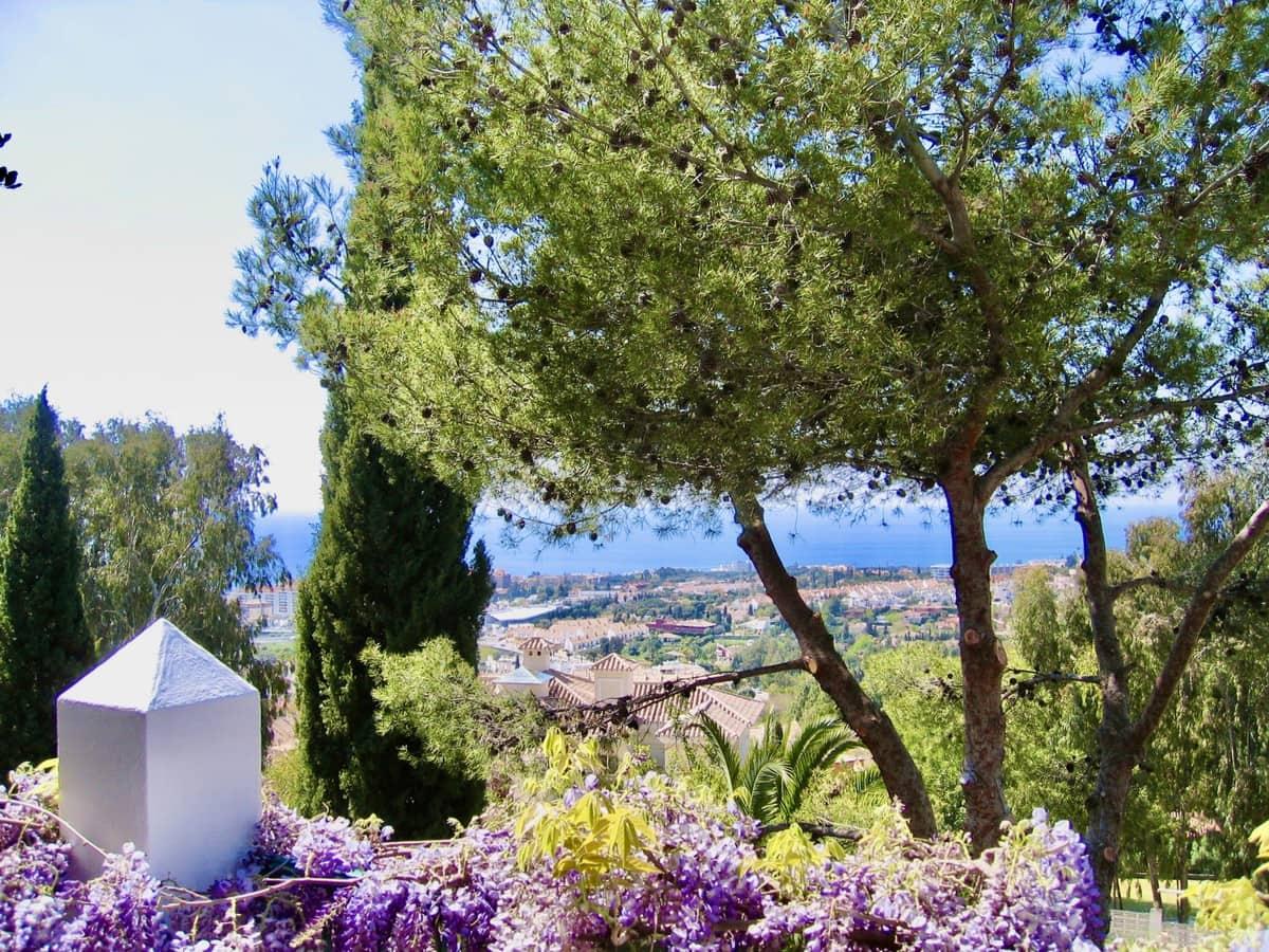 3 bedroom Villa for sale in Marbella with garage - € 1,075,000 (Ref: 5168771)
