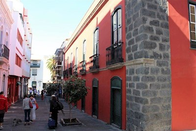10 Zimmer Gewerbe zu verkaufen in Puerto de la Cruz mit Garage - 2.100.000 € (Ref: 3020449)